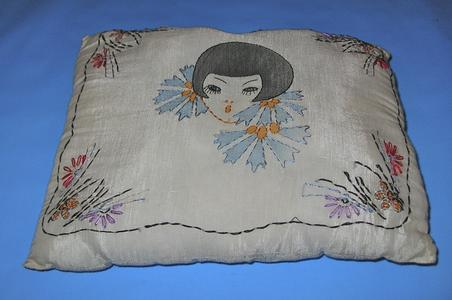 Flapper and flowers pillow cover