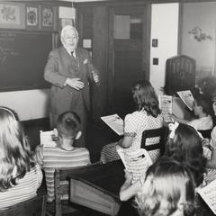 Pop Gordon in a classroom