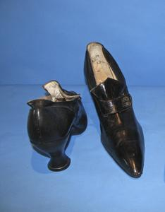 Black shoes with leather band
