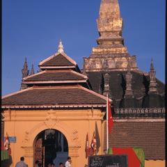 That Luang fair
