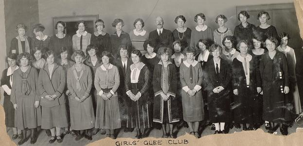 UW girls glee club
