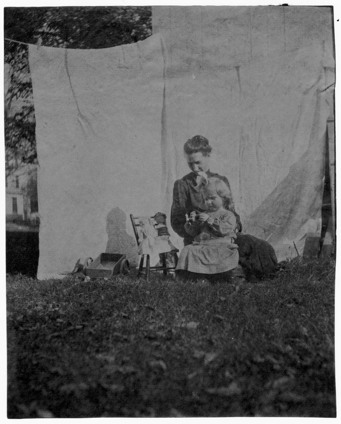 Helen Louise Allen with her mother