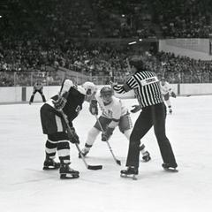 UW vs. New Hampshire hockey game