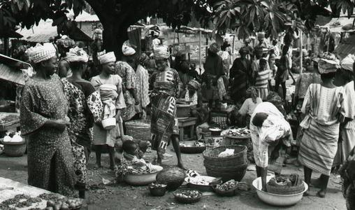 Food in baskets at Ilase market