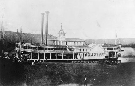 Belle of La Crosse at a landing on the upper Mississippi River