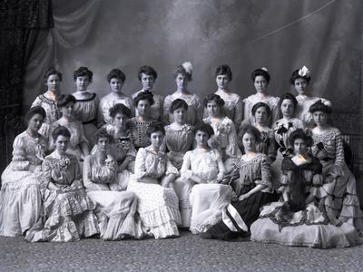 Sorority Delta Delta Delta, 1902