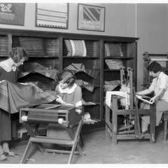 Weaving laboratory