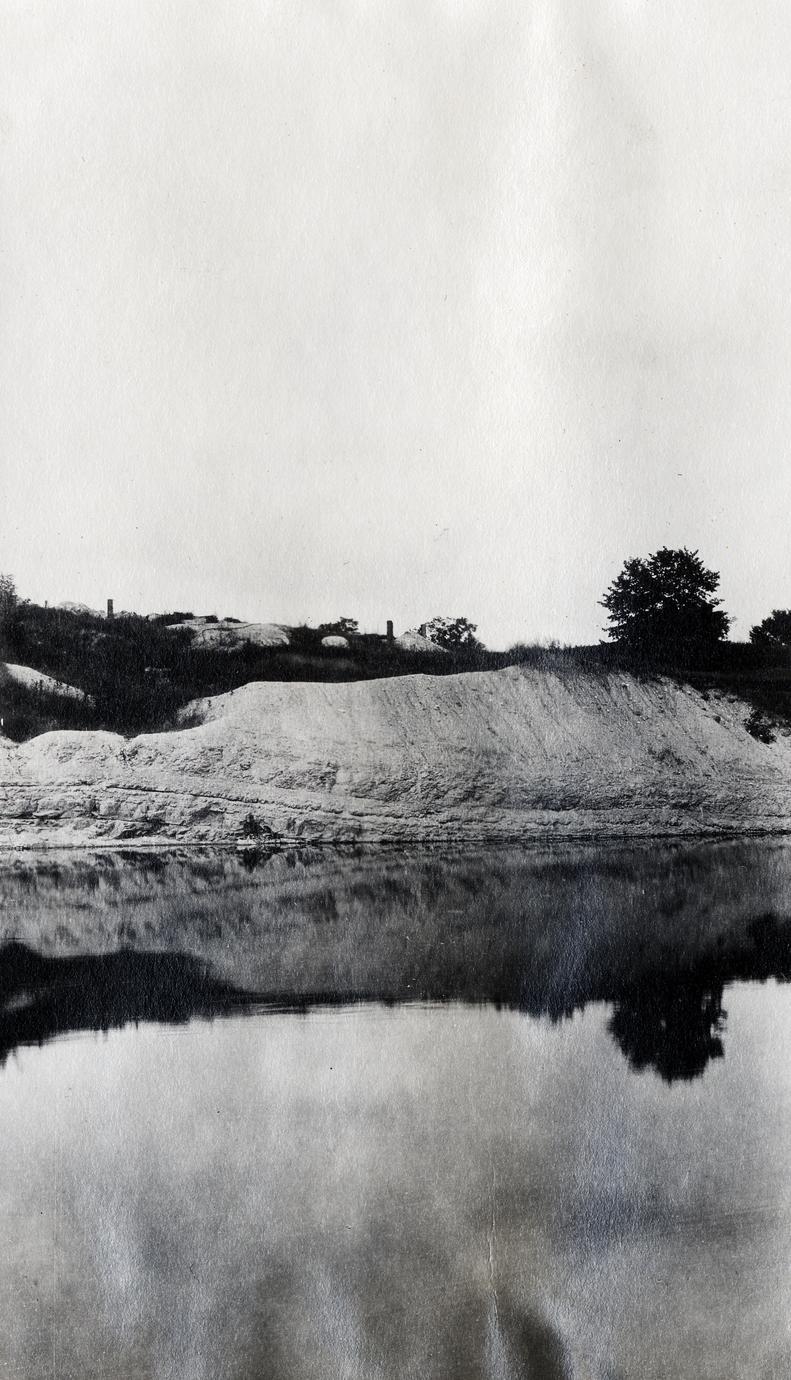 Hamilton cement rock on the Milwaukee River