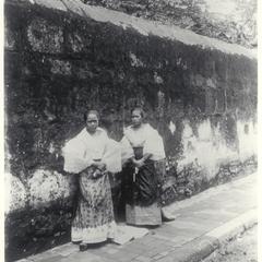 Two young Filipino women, Cavite, 1899