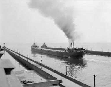 Eugene J. Buffington Entering Lake Superior