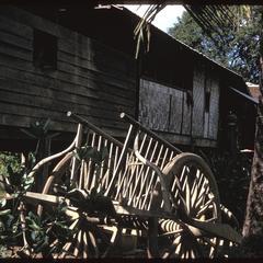 Ban Pha Khao : wagon and house