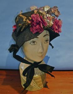 Black straw spoon bonnet