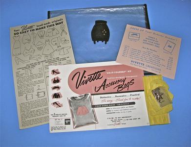Vivette accessory bag