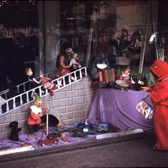 Window display with dolls