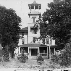 La Belle Villa, Oconomowoc