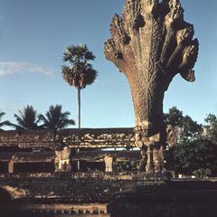 """Angkor Wat : """"naga"""""""
