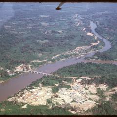 Nam Ngum : bridge to construction camp