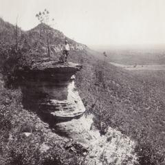 Lower Dresbach cliff on Saddle Mound