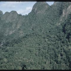 Mountain scenery near Xieng Ngeun