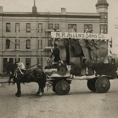 Allen Tannery parade float