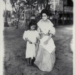 Filipino lady and child, Surigao, 1901