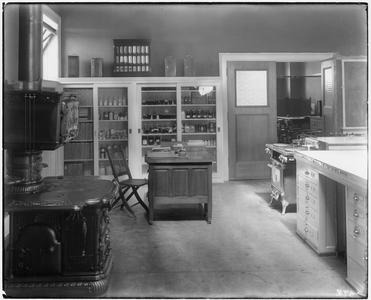 Foods and nutrition laboratory in Lathrop Hall