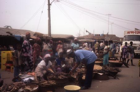 Fish vendors in Igbo Koda