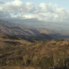 Dry hills with many stone fences, west of El Progreso