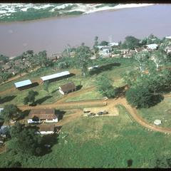 Huayxay : air views--near fort and landing strip