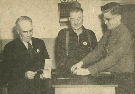 Fingerprinting a shipyard worker