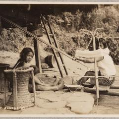 Weaving at Banaue