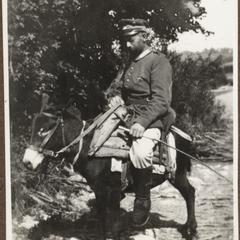 Toni Ernst auf den serbischen Esel i. Steney