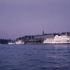 Cruise ships harbor
