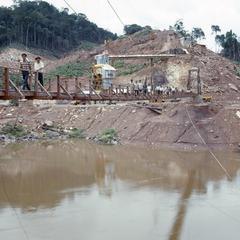 Dam site tour