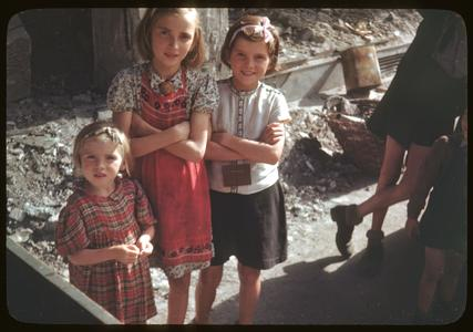German children in war-torn streets of Frankfurt