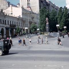 Lenin statue, Shevchenko Boulevard