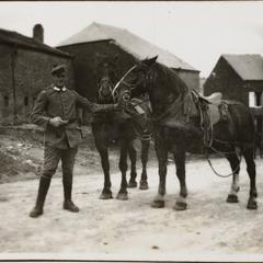 Eduard Schrall mit Packwagenpferde i. St. Pieere