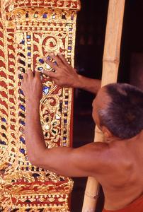Decorating Wat Pa Phay