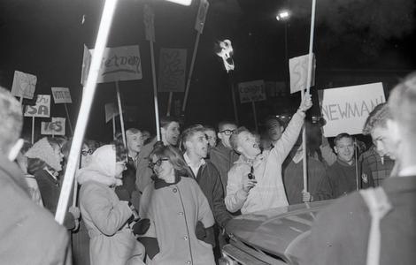 Students at Vietnam rally