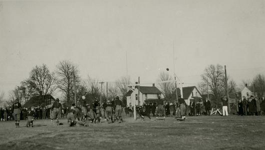Field goal by Wisconsin Mining School Miners