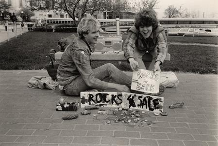Students selling rocks on Library Mall